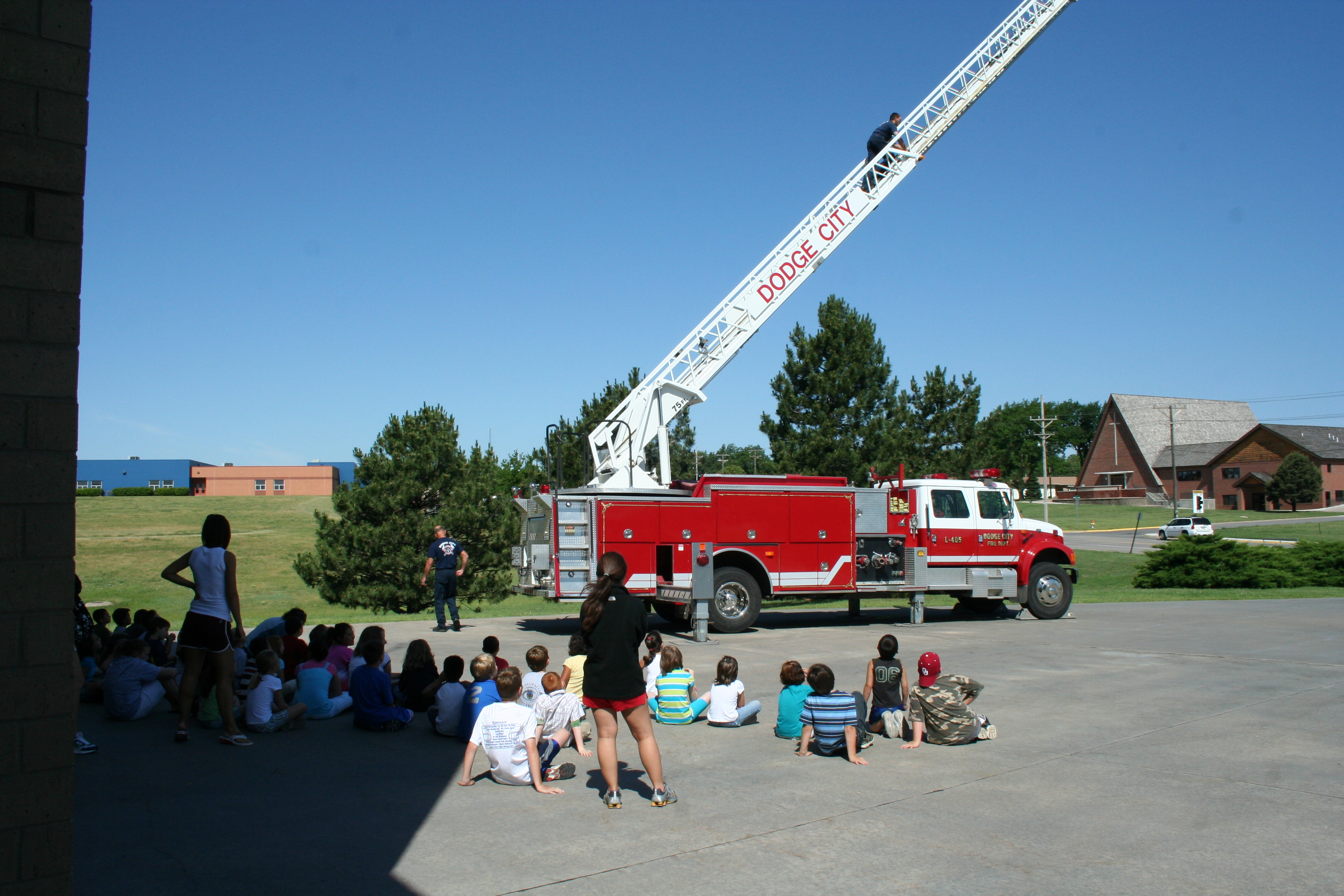 A-shift showing a group of kids about ladder operations